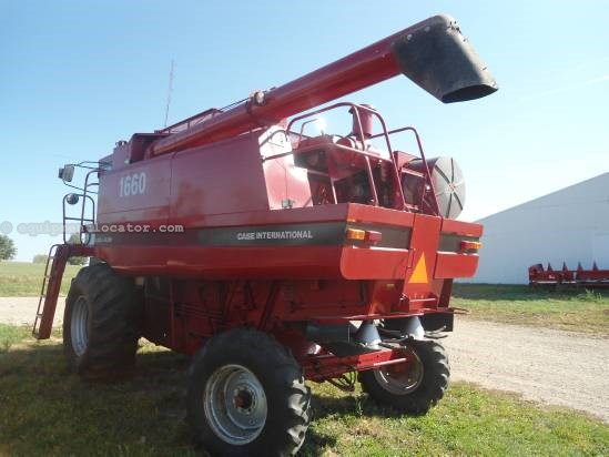 1988 Case IH 1660 Combine For Sale