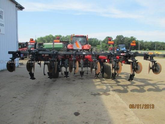 2009 Case IH 730C, 7 Shank, Hyd Sect Fold, Pull Type Rippers For Sale