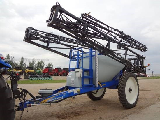 2011 New Holland S1070, 134', 1600 GAL, MONITOR  Sprayer-Pull Type For Sale