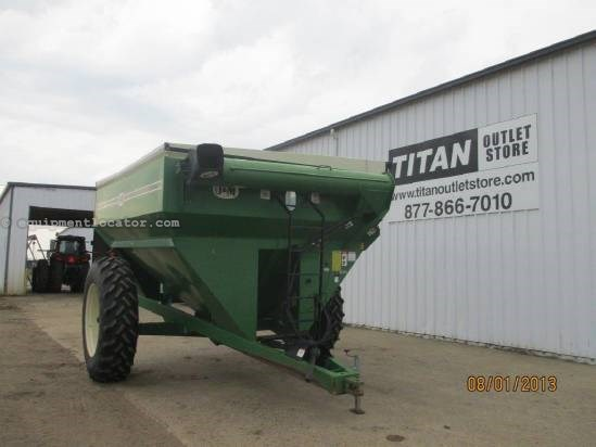 "1999 J & M 750, 14"" Auger Diam, Light Pkg, 1000 PTO Grain Cart For Sale"