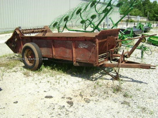 Pto Manure Spreader : Ford pto drive manure spreader dry pull type for sale