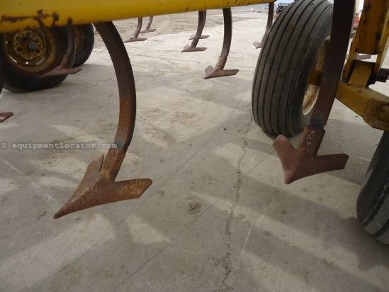 NULL Ezee-On Mfg. 7450 Field Cultivator For Sale