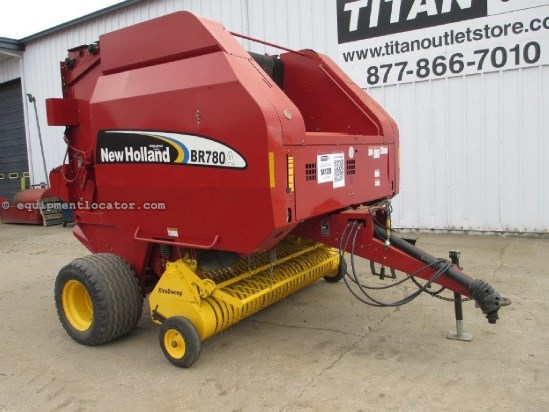2007 New Holland BR780A, 7600 Bales, Belt Type, Net Wrap, Kicker Baler-Round For Sale
