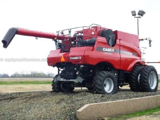 2009 Case IH 8120, 800 Sep Hrs, FT, AHH, Chopper, Spreader Combine For Sale