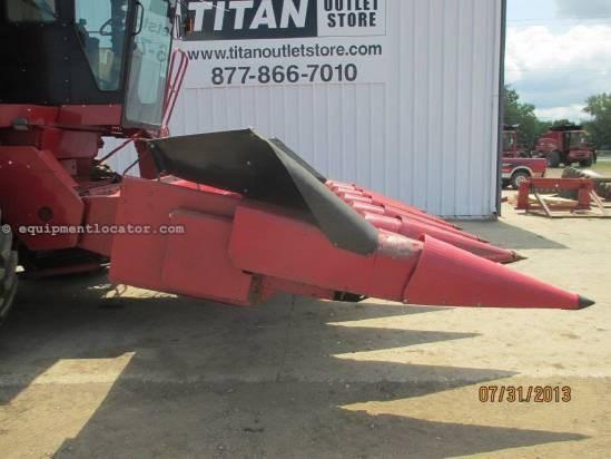 1991 Case IH 1063, 6R30, (1680/2166/2366), Steel Snouts Header-Corn For Sale