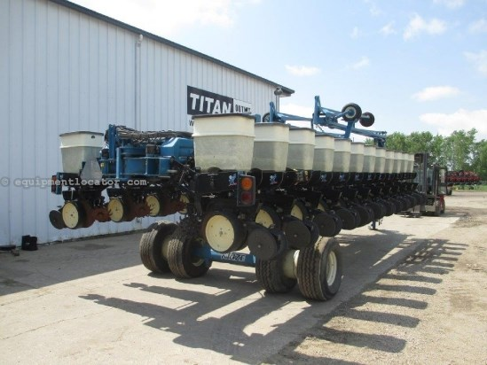 1997 Kinze 2700, 24R30, Front Fold, Drawbar, Finger Metering Planter For Sale