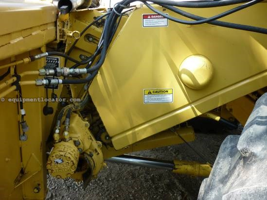1997 New Holland 973, 30', TR97/TR98/TR99, Contour, HHC Header-Flex For Sale