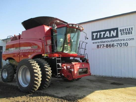 2009 Case IH 7088, 697 Sep Hr, RT, FT, Chopper, Spreader Combine For Sale