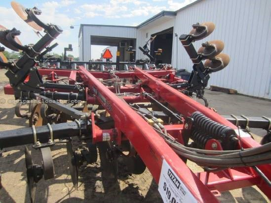 "2006 Case IH 730C, 18', Pull Type, 7 Shank, 30"" Spacing Disk Ripper For Sale"