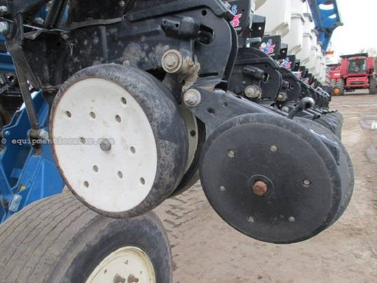2006 Kinze 3800, 24R30, UPTIME READY!, Mech Metering, Monitor Planter For Sale