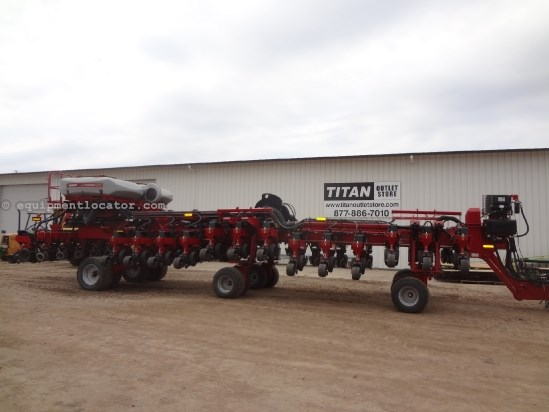 2010 Case IH 1260, 32R30, Accu-Row, PRO 700, PTO Pump Planter For Sale