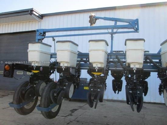 "2010 Kinze 3660, 16/31R, 30"", Hyd Drive, Vac Meter Planter For Sale"