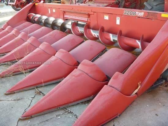 2010 Case IH 3208, 8R30, 2166/2366/2388, FT, Poly, Knife Rolls Header-Corn For Sale