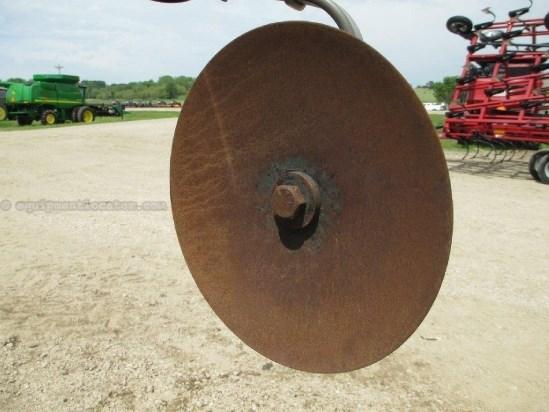 2005 John Deere 2700, 18', PT, 9 Shank, Spring Cush Disk Ripper For Sale