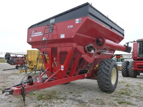 2005 Brent 880, Light Pkg, Tarp, Hyd Auger Fold, 1000 PTO Grain Cart For Sale