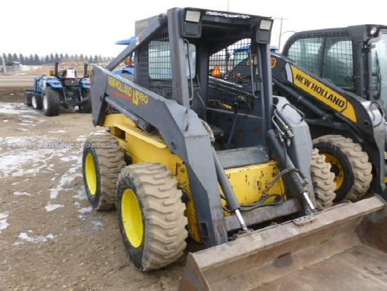 1998 New Holland LS180 - 1135 hrs, 60 HP, 2200 lbs lift, New Tires Skid Steer For Sale