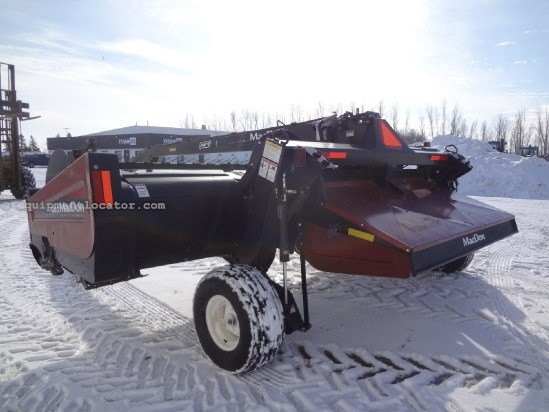 2009 MacDon A30-D - 18 ft, Steel Rolls, Swivel Hitch Mower Conditioner For Sale