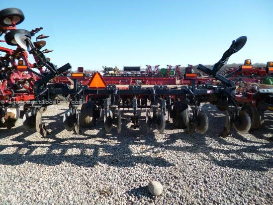 2004 Case IH 730B - 7 Shank, PreShanks, Closing Discs Deep Till For Sale