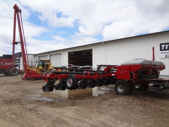 2004 Case IH 1200, 16R30, NEW OPENERS, BULK FILL,   Planter For Sale