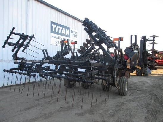 2007 M & W 2200, 22', 9 Shank, Disk Gang, 3 Bar Disk Ripper For Sale