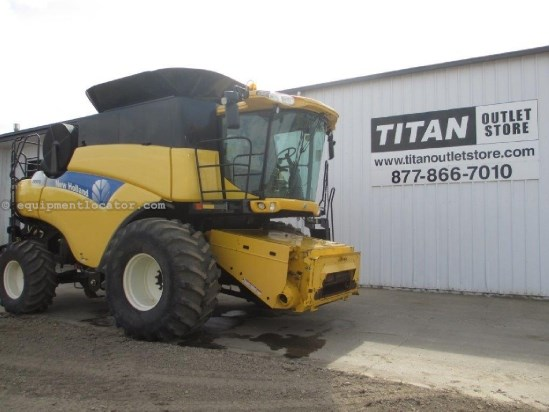 2007 New Holland CR9070, FT, 856 Sep Hrs, RT, Chopper Combine For Sale