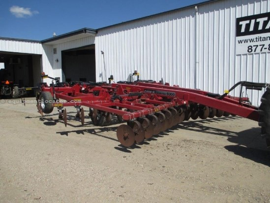 2004 Case IH 9300,22Ft, Cushion Gangs, 9 Shank, 10 Inch Wings Disk Ripper For Sale