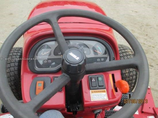 "2008 Case IH FARMALL35, 400 HRS, 72"" DECK, MFD, FOLDING ROPS Tractor For Sale"