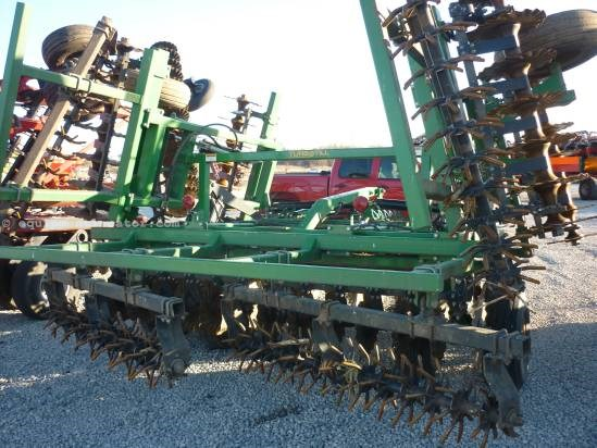 Great Plains 2200, 21', 3 Section, Floating Hitch Plow-Chisel For Sale
