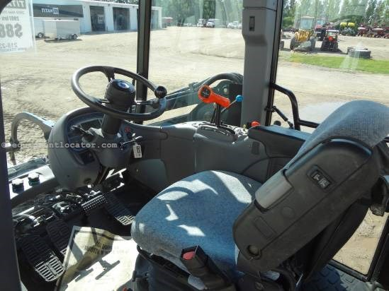 2009 New Holland TV6070 - 2998 hrs, F&R PTO & 3pt, Loader/Grapple Tractor For Sale