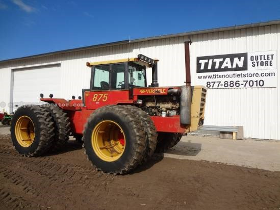 1981 Versatile 875 - 5417 hrs, 20.8R38 Duals, 4 Hyd, 12 speed  Tractor For Sale
