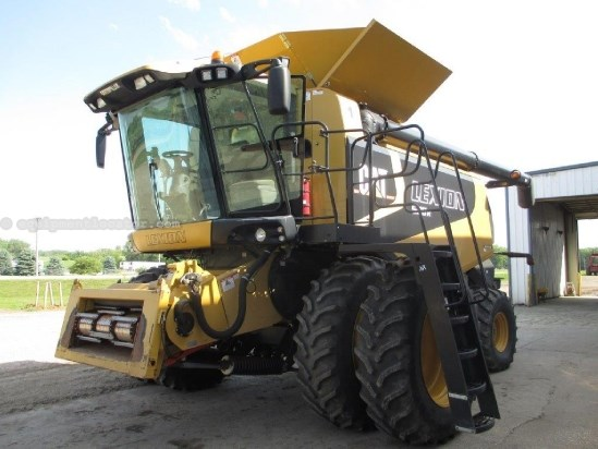 2006 Caterpillar 580, EZ Guide, 1010 SEP HRS, 520R42 Dls, Chopper Combine For Sale