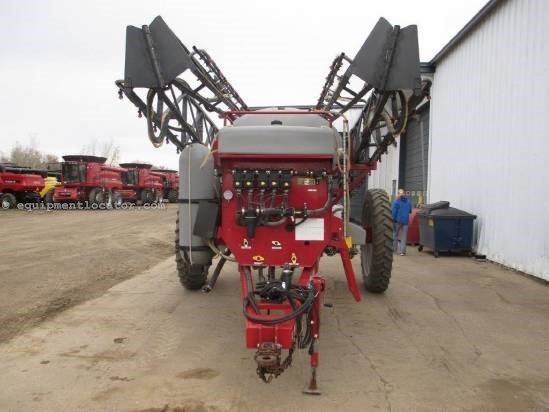 2004 Redball 670, 90' Booms, Foam Markers, 1200 Gal Tank Sprayer-Pull Type For Sale