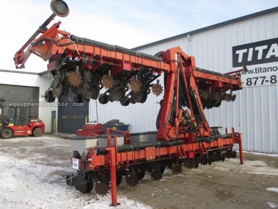 2006 Case IH 1200, 16R30, Vac Meter, 3 Pt, Stacker, Whippers Planter For Sale