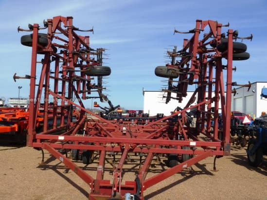 1992 Case IH 4900, 50', 5 Section, Coil Tine, Sweeps, Hyd Fold Field Cultivator For Sale
