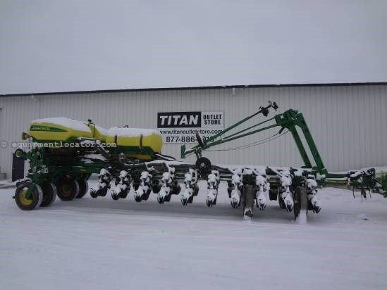 2007 John Deere 1770NT CCS-24R30, Liquid, Markers, Air Bags Planter For Sale