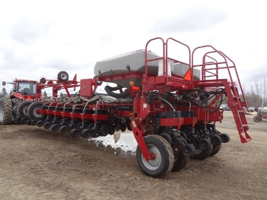 2008 Case IH 1250, 24R30, BULK FILL, LIQUID FERT, NEW DISKS Planter For Sale