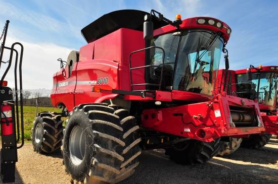 Combine For Sale:  2007 Case IH 8010, 2253 Est Hours, 130000.00 USD