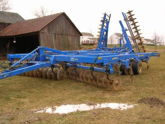 Disc Chisel For Sale:  2010 Landoll 2211