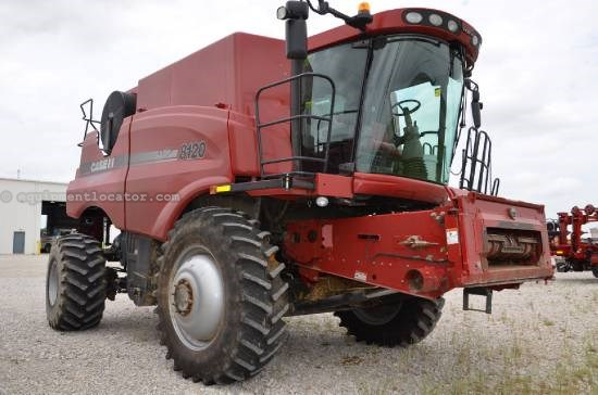 Combine For Sale:  2011 Case IH 8120, 927 Est Hours, 244999.00 USD
