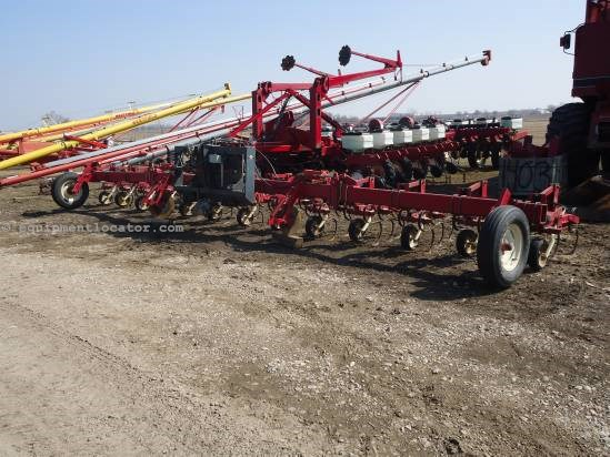 Noble 1230, 12R30,Flat Fold, Rolling Shields, 12 Shanks Row Crop Cultivator For Sale