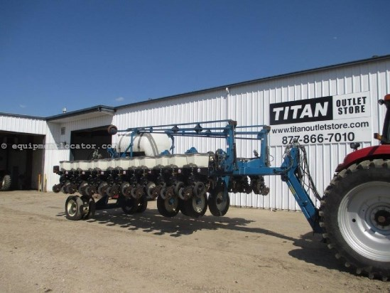 2000 Kinze 3700 24r22 Markers Front Fold Trash Wheels Planter