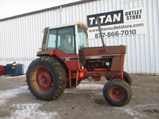 1976 International 1086, 15359 Hrs, 150 HP, 3 Remotes, 3 Pt  Tractor For Sale