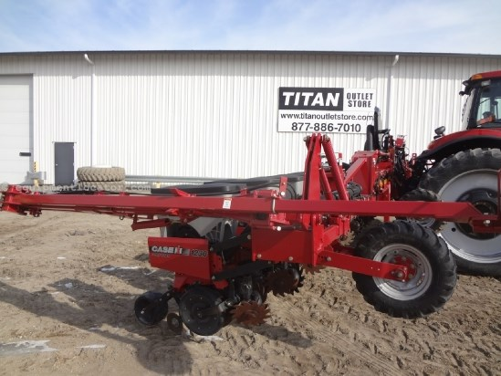 2010 Case IH 1230-16R30, Air Clutches, Markers, 3pt Mntd, Whips Planter For Sale