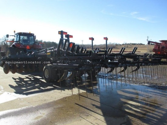2009 M & W 2210F, 1100 Acres, Tine Leveler Disk Ripper For Sale
