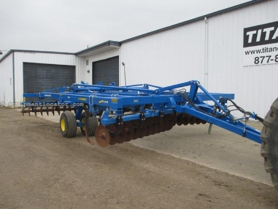 "2010 Landoll 2310,18',17 Shank, 30"" Spacing, Hyd Disc Depth Adj Disk Ripper For Sale"