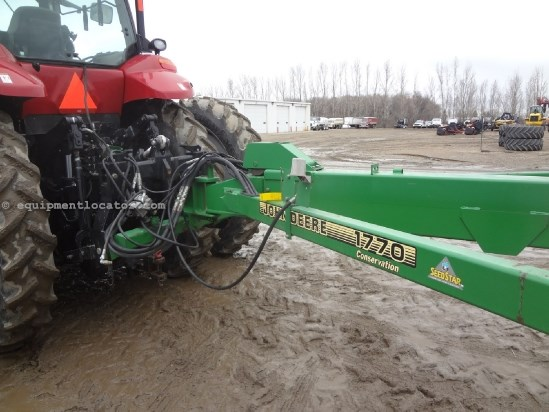 1999 John Deere 1770 - 16R30, Front Fold, Markers, Whips Planter For Sale
