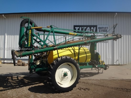 1998 Spray Air 2200 - 82 ft, Foam, 625 gallons, 1000 pto Sprayer-Pull Type For Sale
