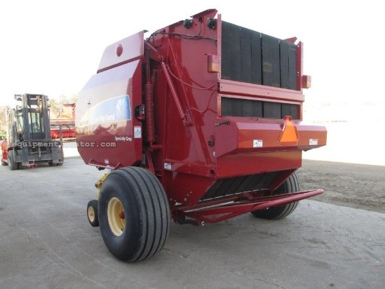 2011 New Holland BR7090, Spec Crop, Auto Net Wrap, Mega Tooth Baler-Round For Sale
