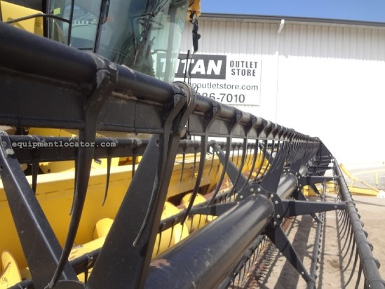 2002 New Holland 73C - 30 ft, AHHC (CR940,CR960,CR970) Header-Flex For Sale