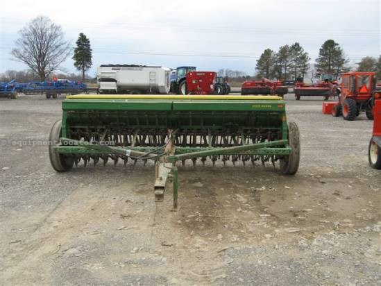 Drill For Sale:  John Deere 8350
